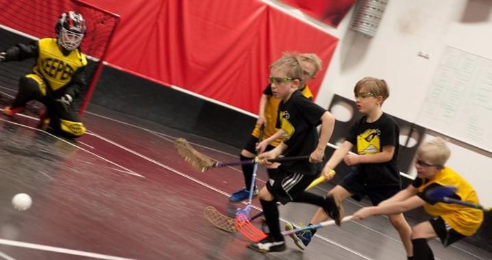 Salibandyseura Konnien 10-junioreiden harjoitukset käynnissä